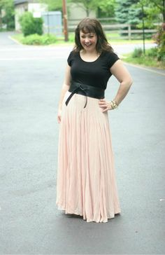 One of the few maxi skirts I've seen and wholeheartedly liked. | via Wardrobe Oxygen