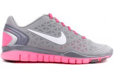 NIKE Free TR Fit 2 Women 487789 003    Metallic Silver / White / Pink Flash / Metallic    The Nike Free TR Fit 2: Barefoot-like flexibility plus support    The ultra-lightweight Nike Free TR Fit 2 Women's Training Shoe was designed for comfort and support, with the flexibility and traction you need for any workout-- from spinning to kick-boxing to Pilates.