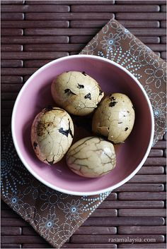 Chinese Tea Eggs (Tea Leaf Eggs) Recipe. You can make a big batch and they are better overnight. #eggs #chinese #tea