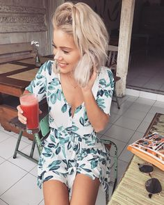WEBSTA @ laurajadestone - Nothing beats Bali juices 🍓 Wearing 💫 Estilo Floral, Laura Jade Stone, Summer Outfits, Cute Outfits, Edgy Outfits, Bali Fashion, Warm Weather Outfits, Style Casual, Cute Rompers
