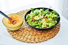 kylling + avokado + mais + agurk + tomat + spinatblanding