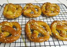 Gluten Free Soft Pretzels Recipe - My hubby's fave and most requested recipe - http://glutenfreerecipebox.com/gluten-free-soft-pretzels/ #glutenfree #glutenfreerecipes