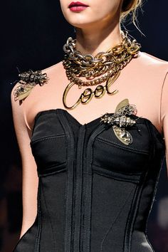 Los accesorios XXL marcan las nuevas tendencias en moda