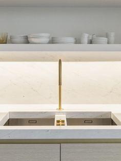 Obumex | Gold | Marble | Minimalistic Kitchen