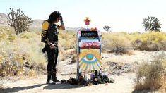 Obra de Arte 'Danger Days' de Gerard Way dejará su mente a una nueva dimensión de impresionante - PopBuzz