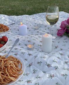 Bon Appetit, Jasmine, Picnic, Table Decorations, Pictures, Instagram, Aesthetics, Home Decor, Drink