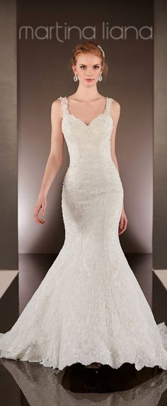 White and Gold Wedding. Sweetheart Neckline, Lace Trumpet Wedding Dress. Martina Liana Spring 2015 Bridal Collection | bellethemagazine.com