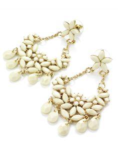 Boucles d'oreilles lustre.Beige.Crème.Plastron. #boucles #bijoux #tendance #look #mode #earring #jewelry www.milena-moda.com