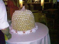 Mega-torta di Bignè, ristorante La Rambla (vicino Roma)