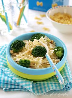broccoli and bow-tie pasta