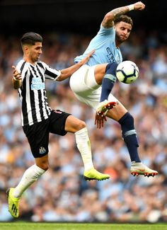 Man City 2 Newcastle Utd 1 in Sept 2018 at the Etihad Stadium. Ayoze Perez and Kyle Walker in action #Prem Kyle Walker, Newcastle, Action, Football, Running, City, Sports, Soccer, Hs Sports