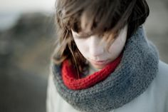 Cowl knitted in Grey and Red