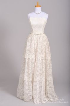 1950s Multi Tiered Lace Vintage Wedding Gown