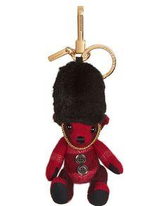 e20f09f8ffac Burberry Porte-clés Teddy Bear garde royale en cachemire Burberry Bear