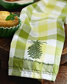 TOMMY BAHAMA Pineapple Plaid Kitchen Towel $8 NORTON SHOPPER PROTECTION & LOWEST PRICE ANYWHERE GUARANTEE INCLUDED!