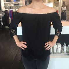 The prettiest off the shoulder top just arrived… #offtheshoulder #trend #ontrend #spring #spring16 #sp16 #striped #blouse #willow #willowboulder #willowmusthave