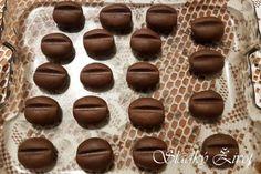 kavove_zrna7 Cookies, Chocolate, Desserts, Crack Crackers, Tailgate Desserts, Deserts, Biscuits, Chocolates, Postres