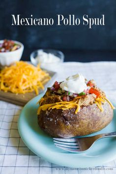Mexicano Pollo Spud as an easy dinner recipe - a different take on something great to make for your family! | www.thirtyhandmadedats.com