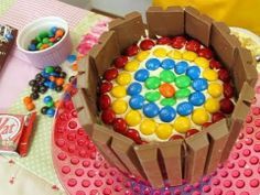 Decorate a Kit-Kat RAINBOW BIRTHDAY CAKE - Easy how-to tutorial - party ...