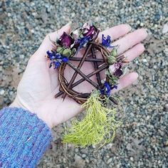 Protection from a wee willow wreath. Autel Wiccan, Witchcraft, Pentacle, Bohemian Crafts, Jar Spells, Willow Wreath, Mobiles, Diy Spring Wreath, Wiccan Crafts