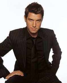 Sebastien Izambard..my favorite singer of Il Divo...handsome guy with a voice that gives me goosebumps!