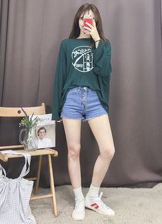 Korean Fashion Trends you can Steal – Designer Fashion Tips Korean Girl Fashion, Korean Fashion Trends, Ulzzang Fashion, Korean Street Fashion, Korea Fashion, Asian Fashion, India Fashion, Girls Fashion Clothes, Tween Fashion