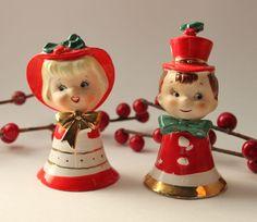 Lefton's Christmas Carolers bell  figurine set 1146