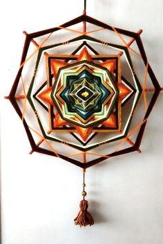 """Amanecer""  -- mandala tejido por mí (María Ivana Croxcatto), ocho puntas, aprox. 50 cm Mandala Yarn, Crochet Mandala, God's Eye Craft, Diy Tipi, Magical Home, Mandala Artwork, Gods Eye, Yarn Bombing, Weaving Art"