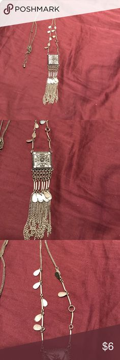 Beautiful necklace Long. Great with bohemian style or anything. Forever 21 Jewelry Necklaces