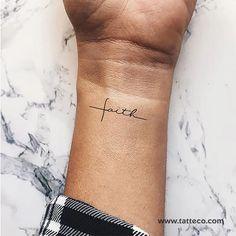 100+ mejores imágenes de Tatuajes de Palabras en 2020   tatuajes, palabras  tatuajes, artistas tatuadores