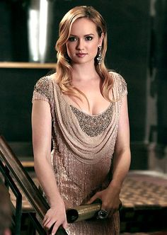 Ivy Dickens (Kaylee DeFer) wore a Badgley Mischka gown.    Read more: http://www.usmagazine.com/entertainment/pictures/gossip-girls-best-looks-from-all-6-seasons-2012712/26896#ixzz2HnM6N3ul   Follow us: @usweekly on Twitter | usweekly on Facebook