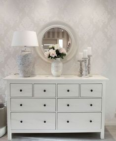 Hemnes dresser design - Home Decoration Interior Design Living Room, Living Room Decor, Bedroom Decor, Ikea Bedroom, Living Rooms, Style At Home, Sideboard Design, Home Design, Design Design