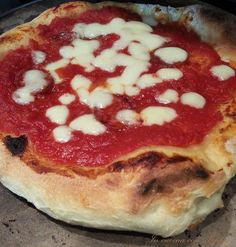 pizza napoletana di Luca Pizza Napoletana, Peppa, Pizza Dough, Vegetable Pizza, Italian Recipes, Oreo, Food And Drink, Cooking, Breakfast