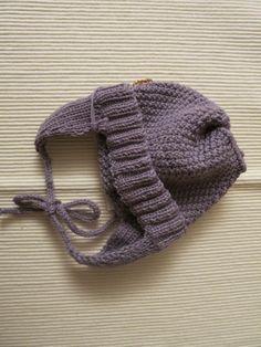 Babymütze aus 100% grauer Bio-Merinowolle (GOTS Zertifikat) für Kopfumfang 37 cm.