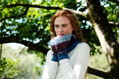 An easy to knit cowl knit kit, ideal for knitters of all experience levels. Using worsted-weight Irish yarn, this cowl pattern is divided into four distinct sections with each one defined by its own shade. Knitting Kits, Knit Cowl, Cowls, Fingerless Gloves, Arm Warmers, Irish, Scarves, Easy, Pattern