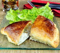 Recette Chaussons au Roquefort et aux noix - Envie de bien manger. Plus de recettes à base de Roquefort ici : www.enviedebienmanger.fr/recettes/soci%25C3%25A9t%25C3%25A9