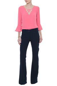 Blusa Crepe Magali Crochet Blouse, Top Pattern, Color Blocking, Ideias Fashion, Pajama Pants, Neckline, Outfits, Clothes For Women, Stylish