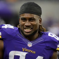 Former  Minnesota Vikings  wide receiver  Cordarrelle Patterson  signed with the  Oakland Raiders  on Monday, the club  announced ...
