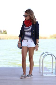 love the stripes with shorts Summer Outfits For Teens, Spring Outfits, Spring Shorts, Short Outfits, Cute Outfits, Nautical Fashion, Nautical Clothing, Boating Outfit, Swagg