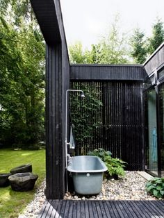 awesome-outdoor-bathroom-decorations