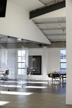 Brilliant use of art in an office. Fabric Warehouse by Fearon Hay // Auckland, New Zealand via Yellowtrace blog »
