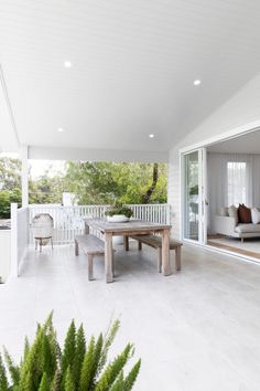 Outdoor Living Rooms, Outdoor Dining, Outdoor Spaces, Outdoor Decor, Modern Outdoor Furniture, Iron Patio Furniture, Modern Patio, Teak Furniture, Furniture Ideas