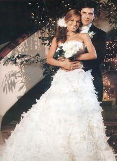 Silvia Tcherassi #wedding #dress #gown #romantic #custommade #designer #bride #strapless #headpiece #bouquet #flowers
