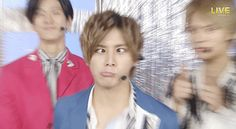 Its funny to see him do some stupid thing like this. Haha i like it. Dont be shy to do something stupid. Just enjoy the day !! Right ryosuke?
