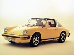 1976 Porsche 911 Targa red interior