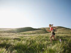 Caucasian woman running in remote field, Ladera Ranch, California, USA - Lookphotos Running Women, Woman Running, Caucasian Woman, Paragliding, Shoulder Workout, Running Motivation, Kayaking, Fitness Tips, Fitness Inspiration