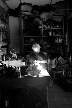 8 PM in Magelang, inside the partially closed workshop sat the 64 year-old Tan Djian Hua, working with his tools under the dim light. Despite his old age, Tan is still highly spirited in doing his job, wearing nice shirt and thick glasses. Old Age, Dim Lighting, Archipelago, Cool Shirts, Workshop, Tools, Glasses, Nice, Atelier