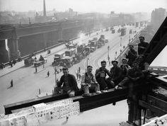 Obreros en Londres sobre un #andamio