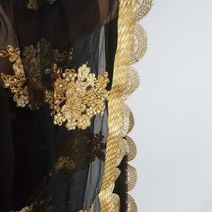 The one-of-a-kind Black and Gold Dupatta of your dreams 😍