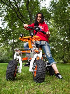 #electric #quad #scooter #moped #vehicle #off-road Electric Off Road Vehicle, Electric Scooter, Electric Cars, Fast Scooters, Three Wheel Bicycle, Mobile Car Wash, Strange Cars, Reverse Trike, Drift Trike